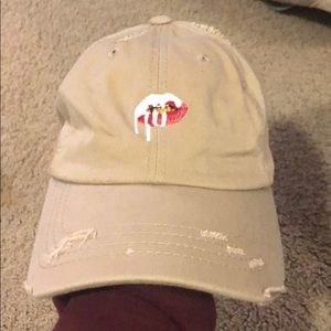 "Kylie Jenner ""lips"" dad hat"